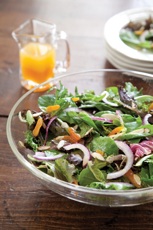 spring-mix-salad-with-white-balsamic-apricot-vinaigrette