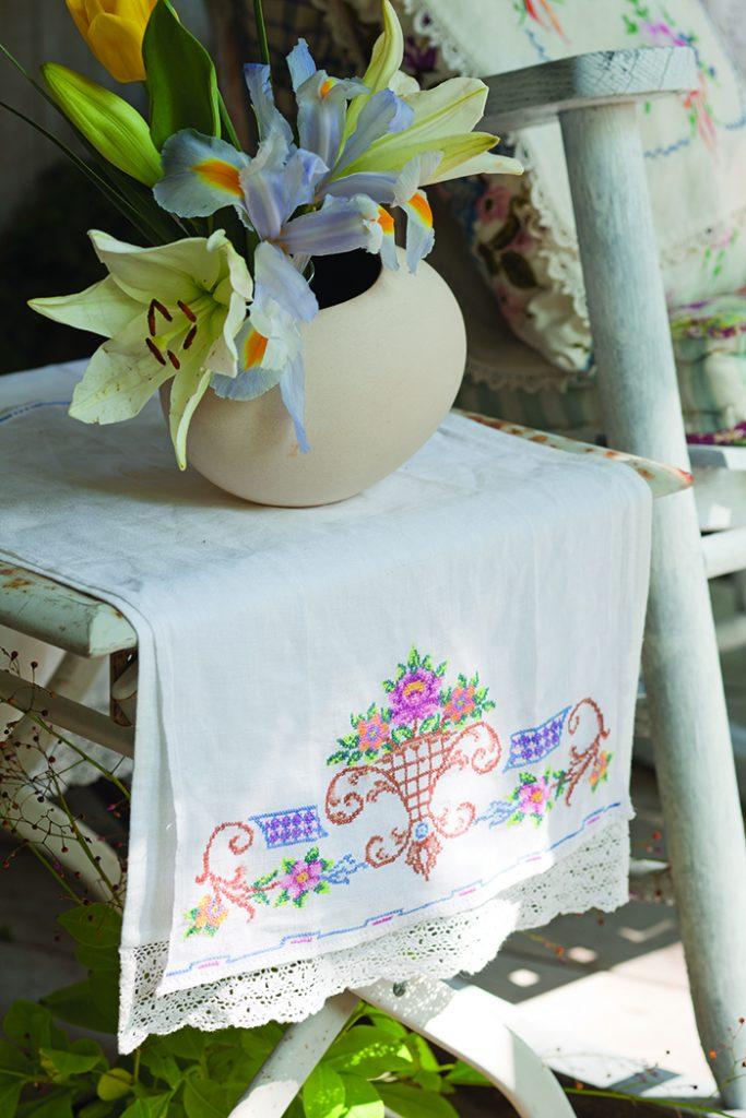 Garden Porch Styling3