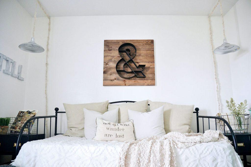 LizMarieBlog_CottageJournal_guestroom