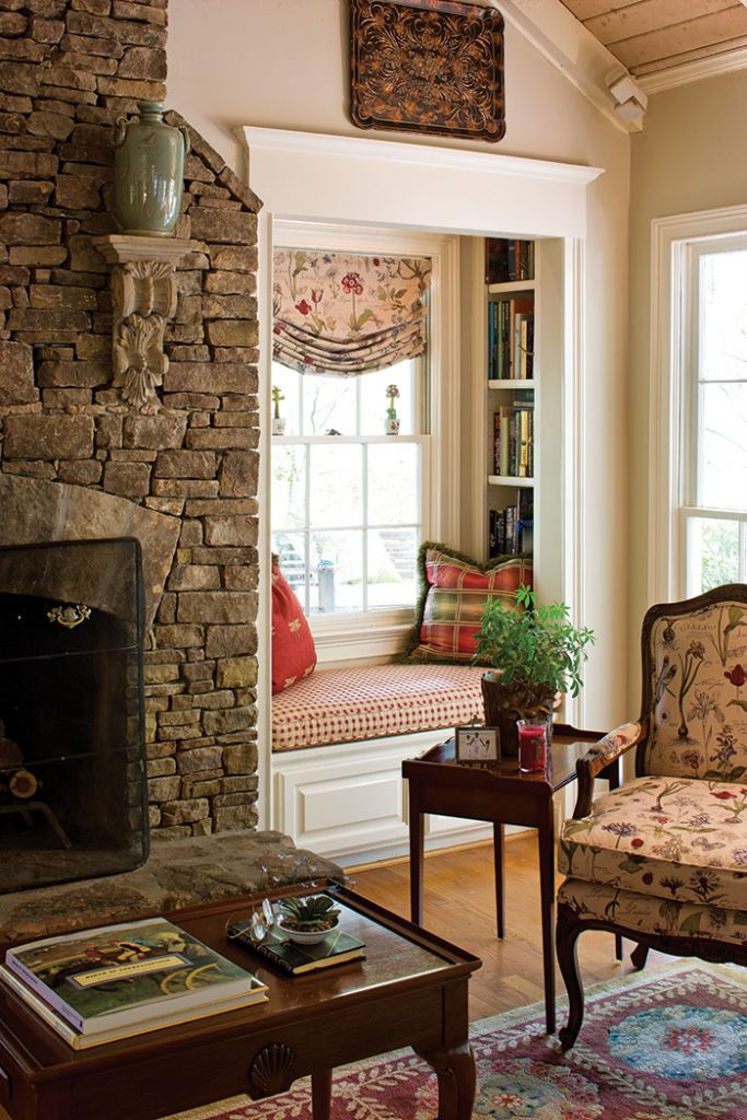Old English Drawing Room: Utilizing Your Cottage Nooks