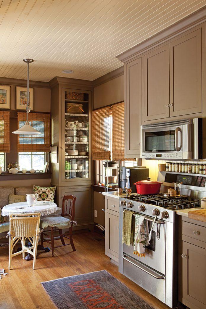 Charming Cottage Kitchen Journal