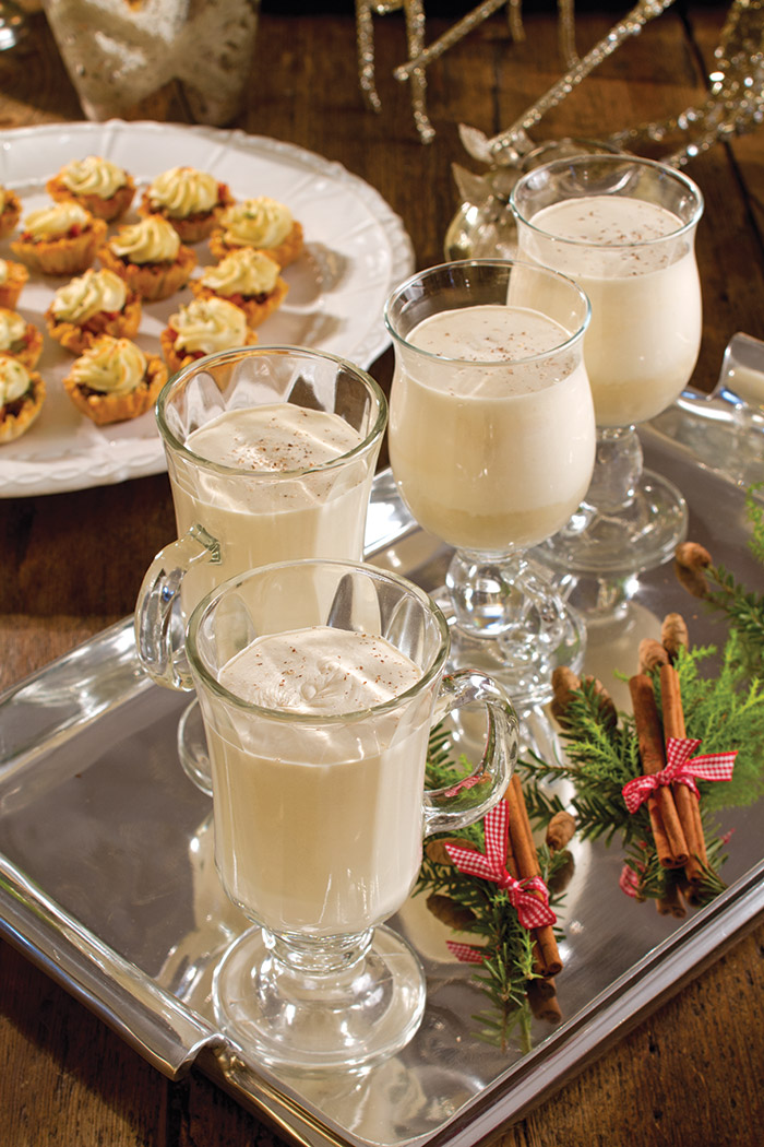 Festive Holiday Eggnog Cocktail