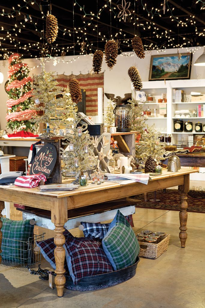 Tin_Cottage_Christmas