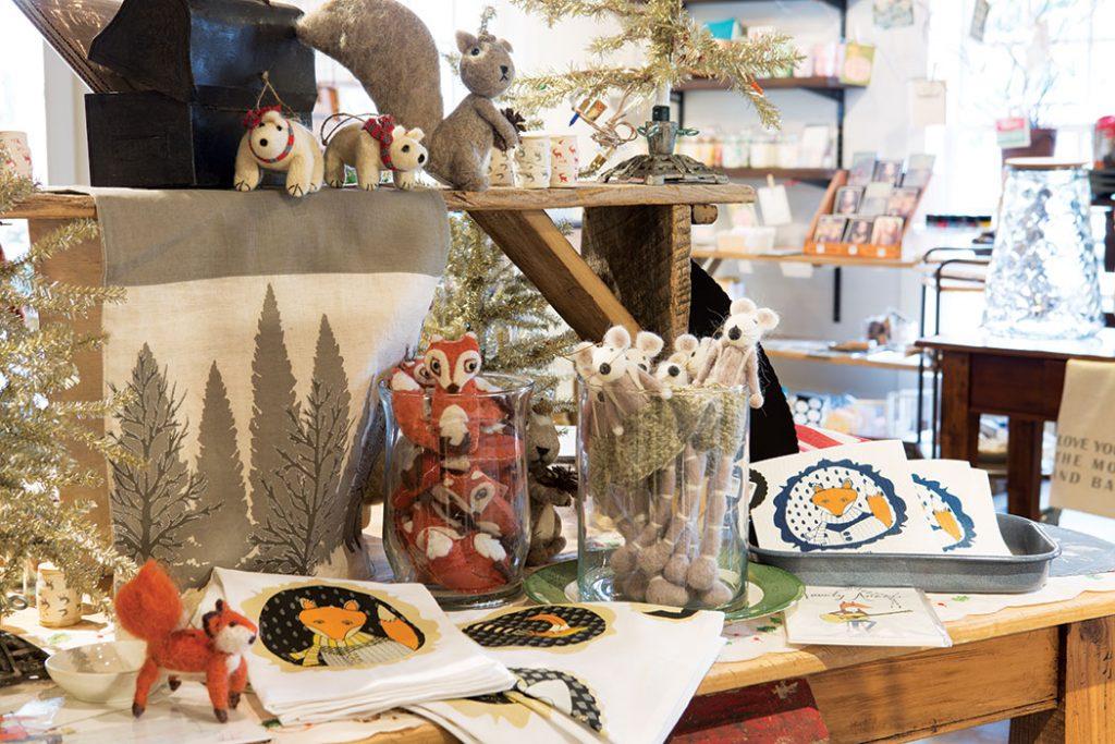Tin_Cottage_Christmas_woodland