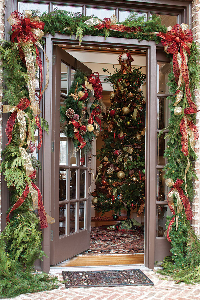 holiday decorating ideas wreath inspiration 12490
