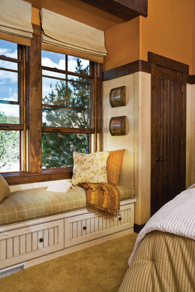 bedroom nook bench