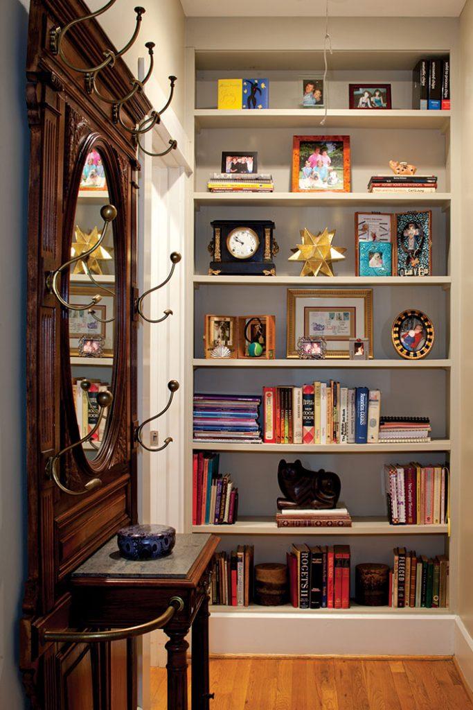 book-shelf-nook