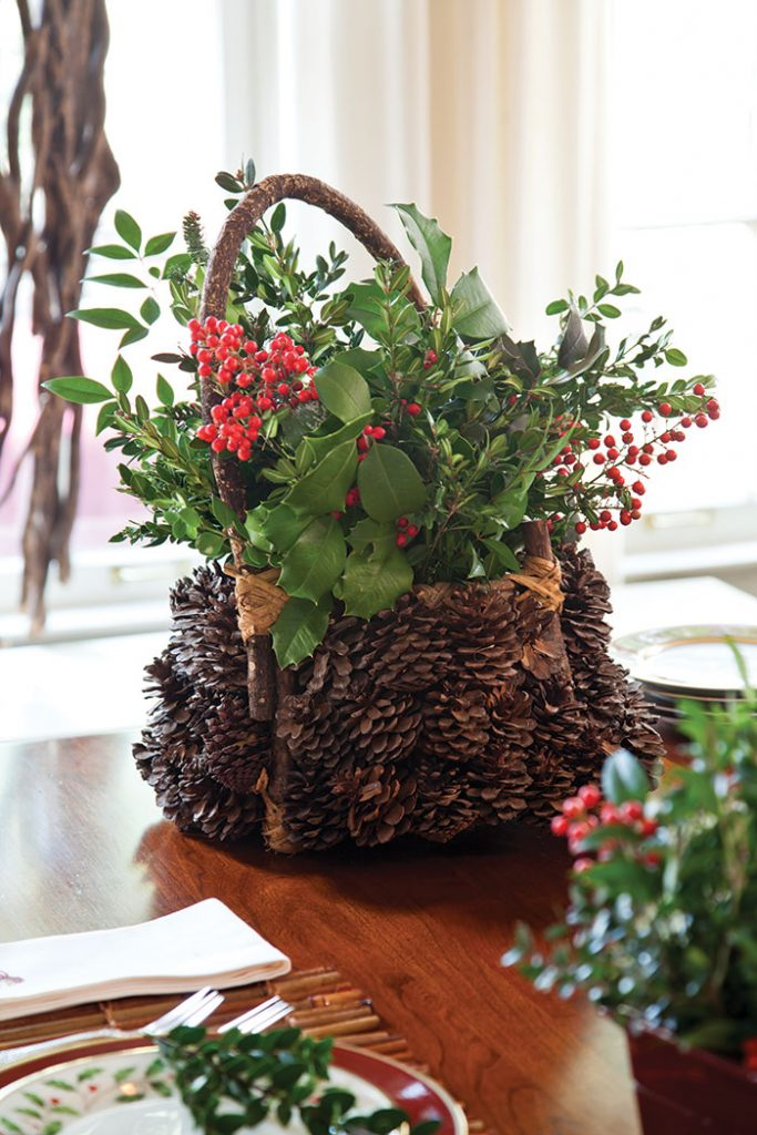 christmas-cottage-berry-basket