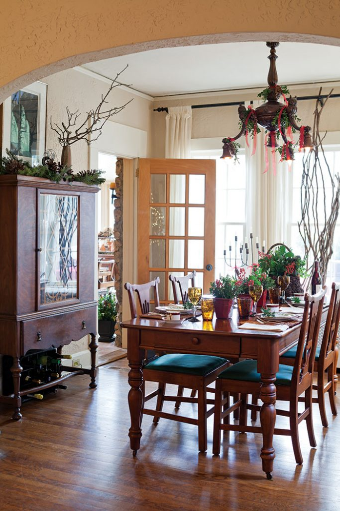 christmas-cottage-dining-room