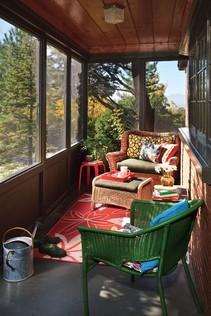Utiilzing your cottage nooks the cottage journal for Sunroom breakfast nook