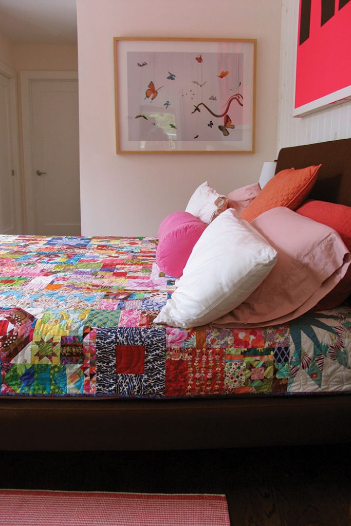 victoria-findlay-wolfe-quilt-bed