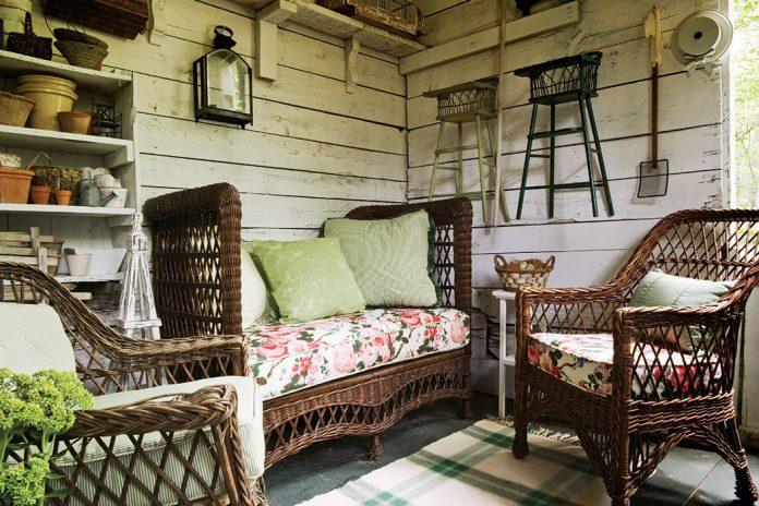 Lovely Outdoor Furniture Set