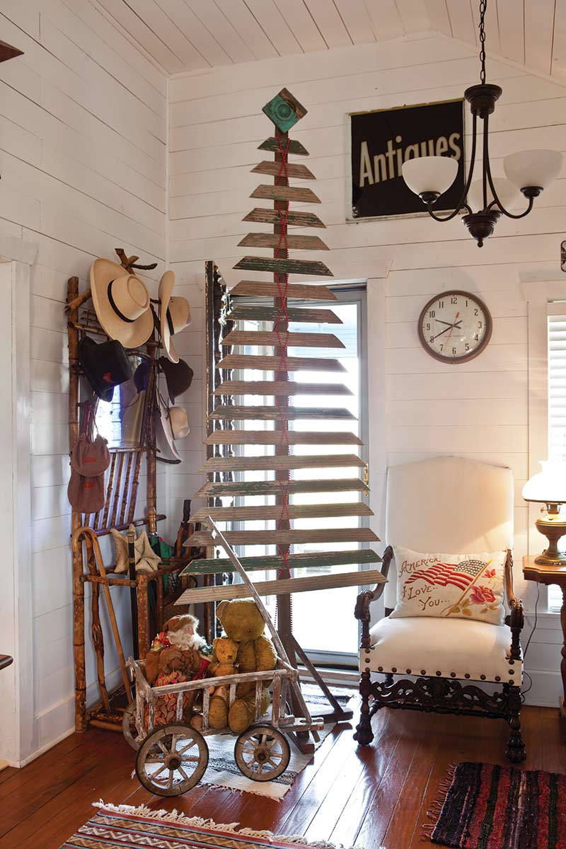 Texas Countryside Cottage - The Cottage Journal - Wooden Alternative Christmas Tree