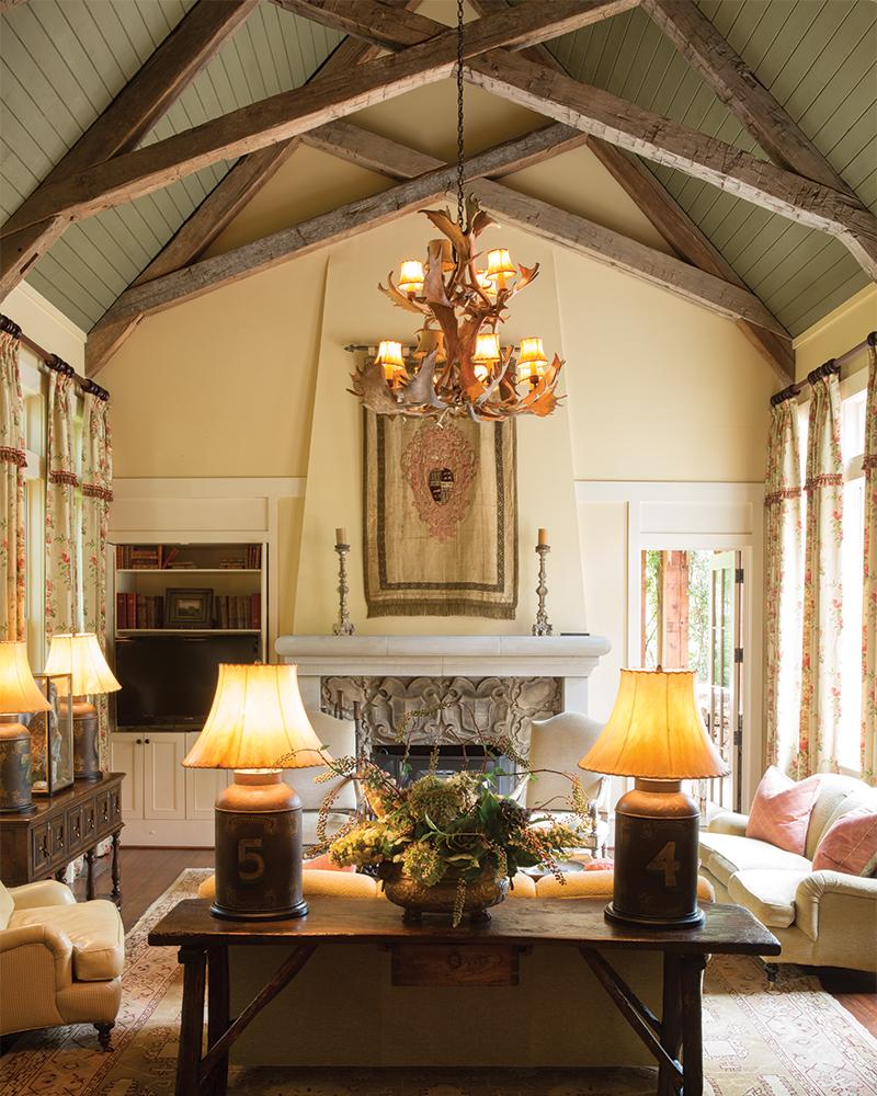 Mountain Side Livingroom