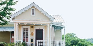Welcoming Alabama Riverside Cottage