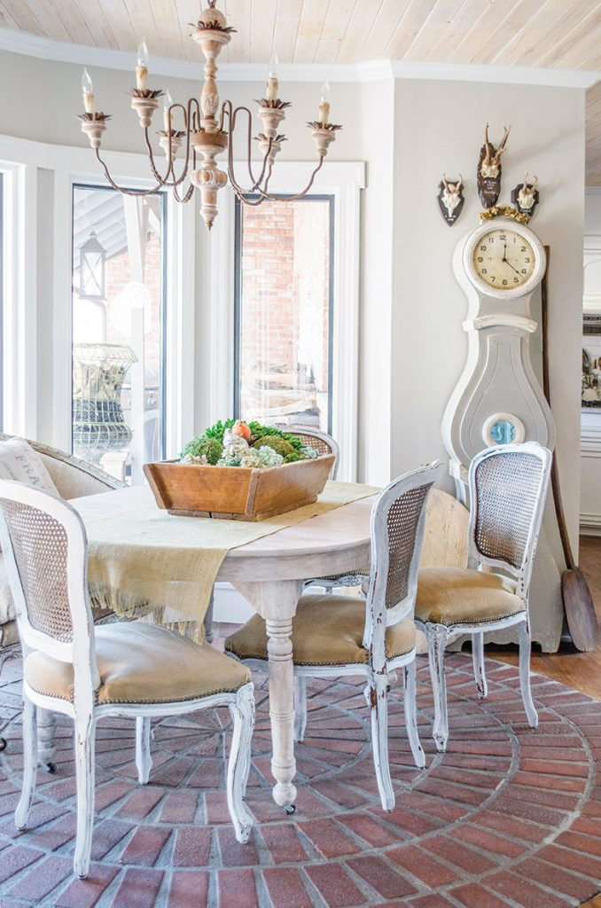 Step into Blogger Cindy Blackenburg's French-Inspired Cottage