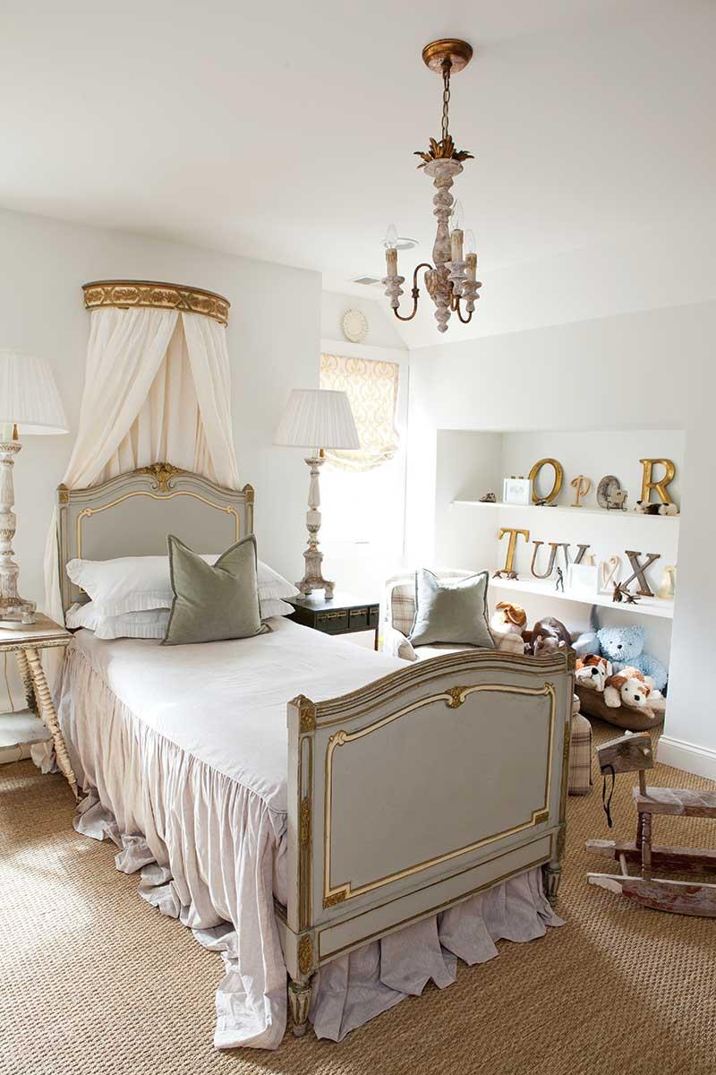 Charming kid's room