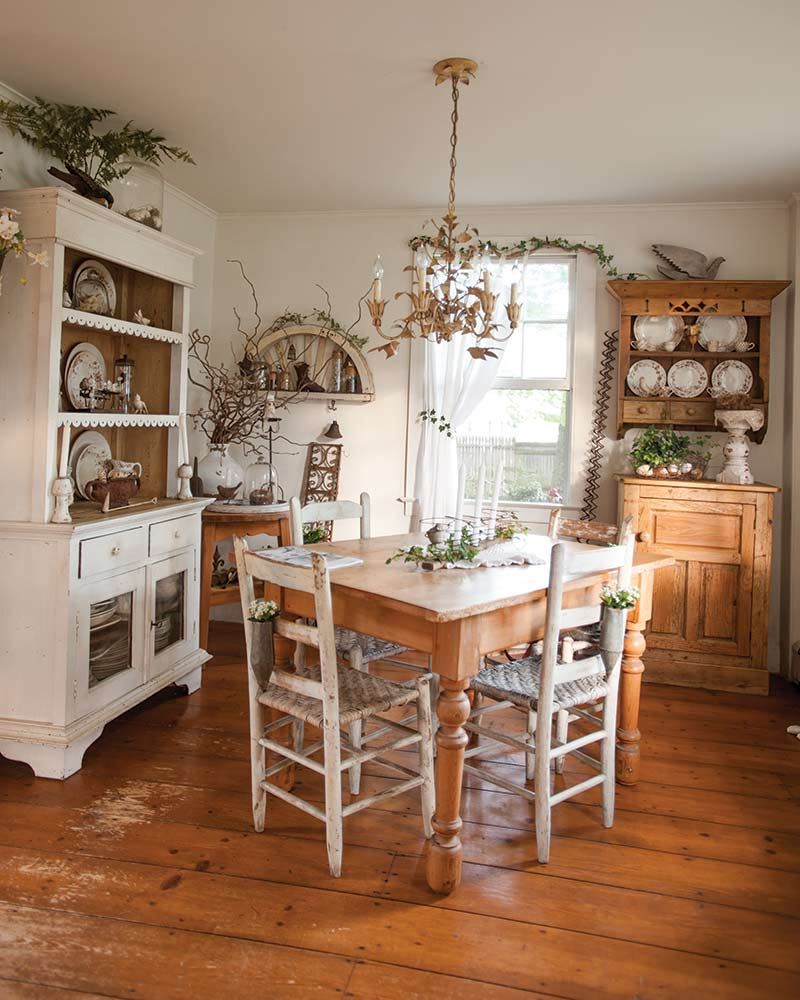 Dining room in fixer-upper cottage