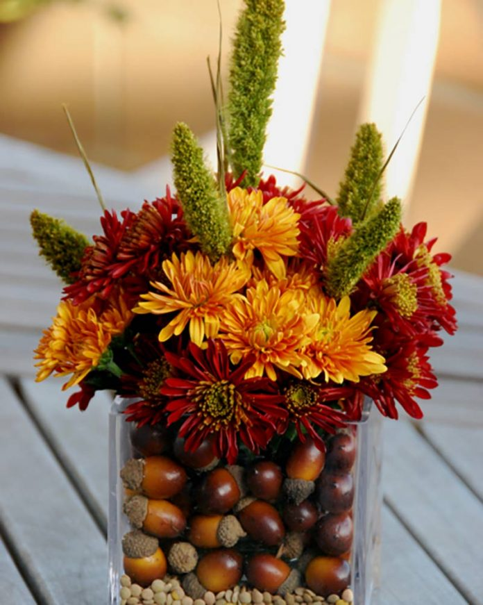 autumn decor - acorn
