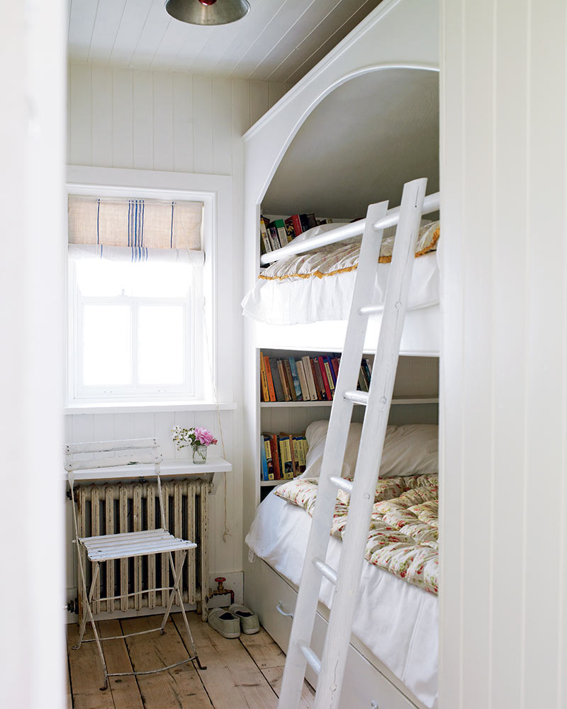 white bunk bedroom