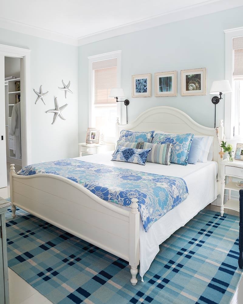 South Carolina guest cottage - blue and white bedroom