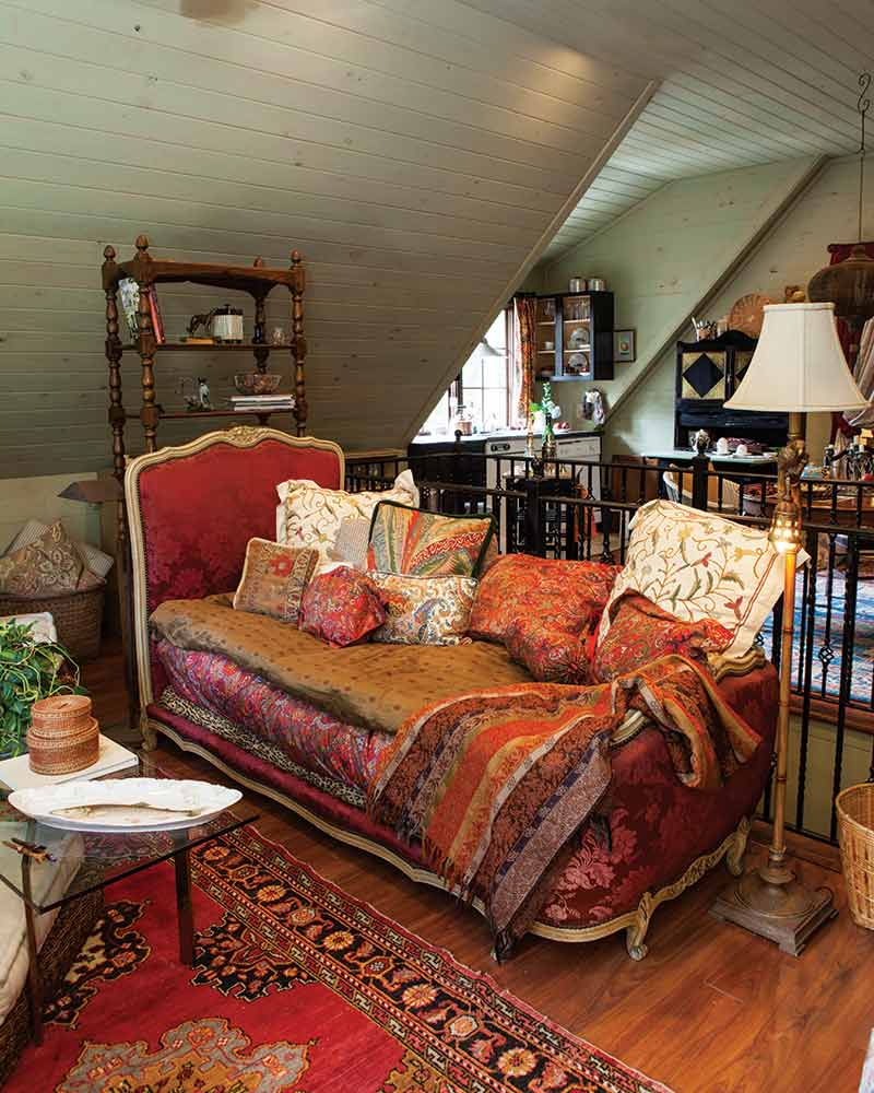 opulent daybed