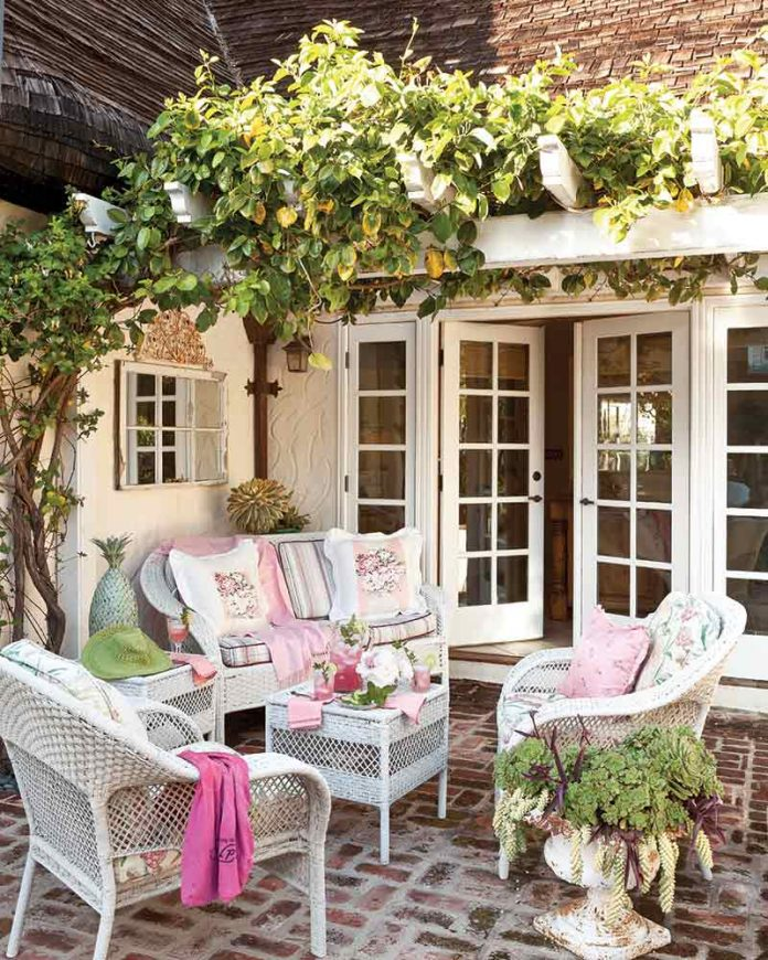 back patio with ivy and pink decor