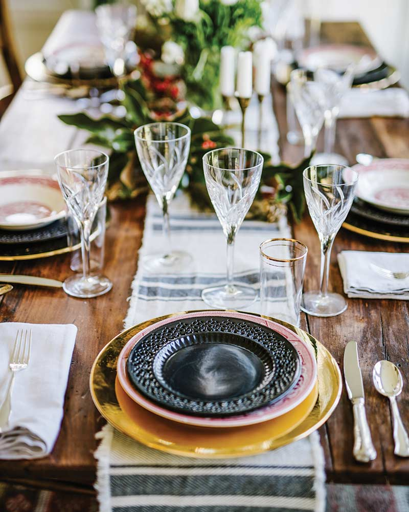 Mix-matched neutral table setting