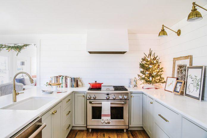 White minimalist kitchen with Christmas decor