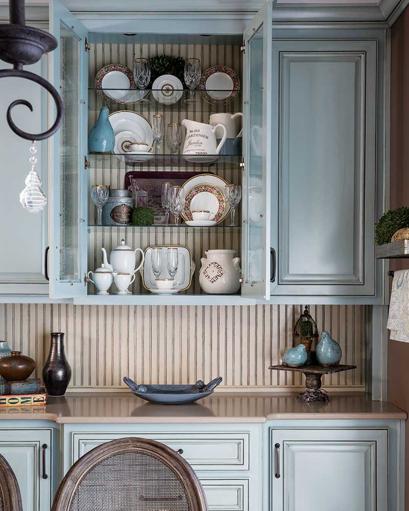 China cabinet with mix and match plates and pitchers