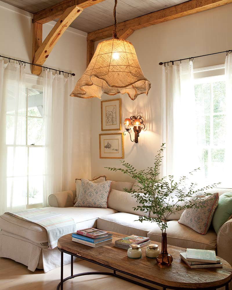 This Interior Designer S Quaint Cottage Is Clutter Free And Packed