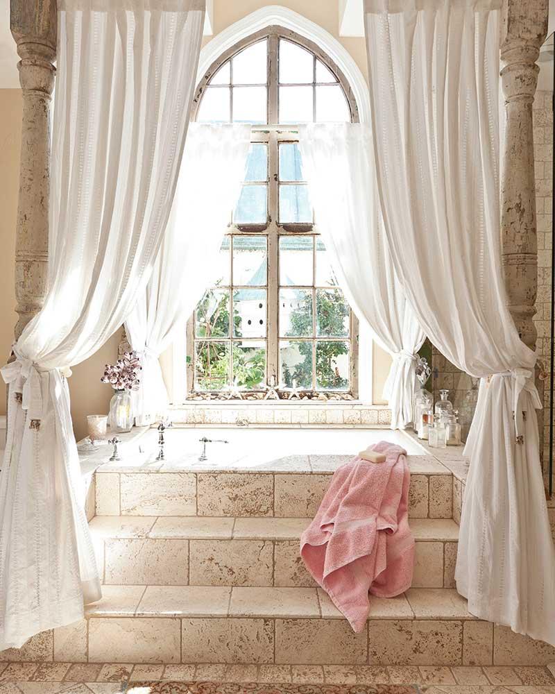 vintage canopy bathtub