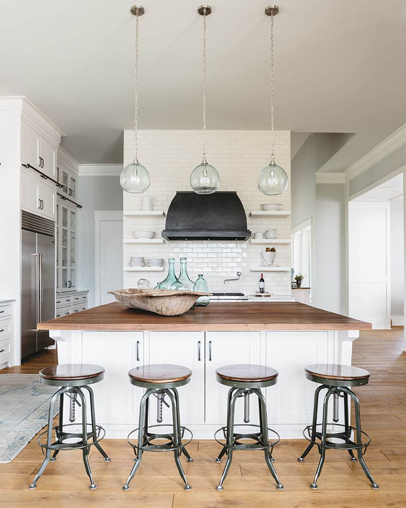 This Lake House Kitchen Brought The Homeowner To Happy