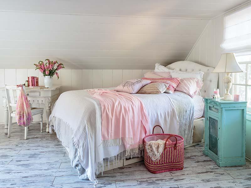 Californian cottage bedroom