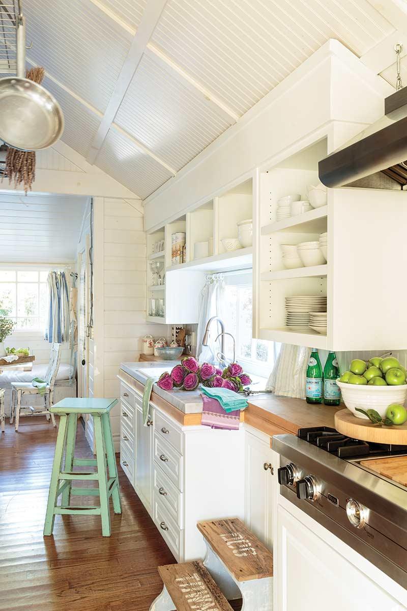 Californian cottage kitchen