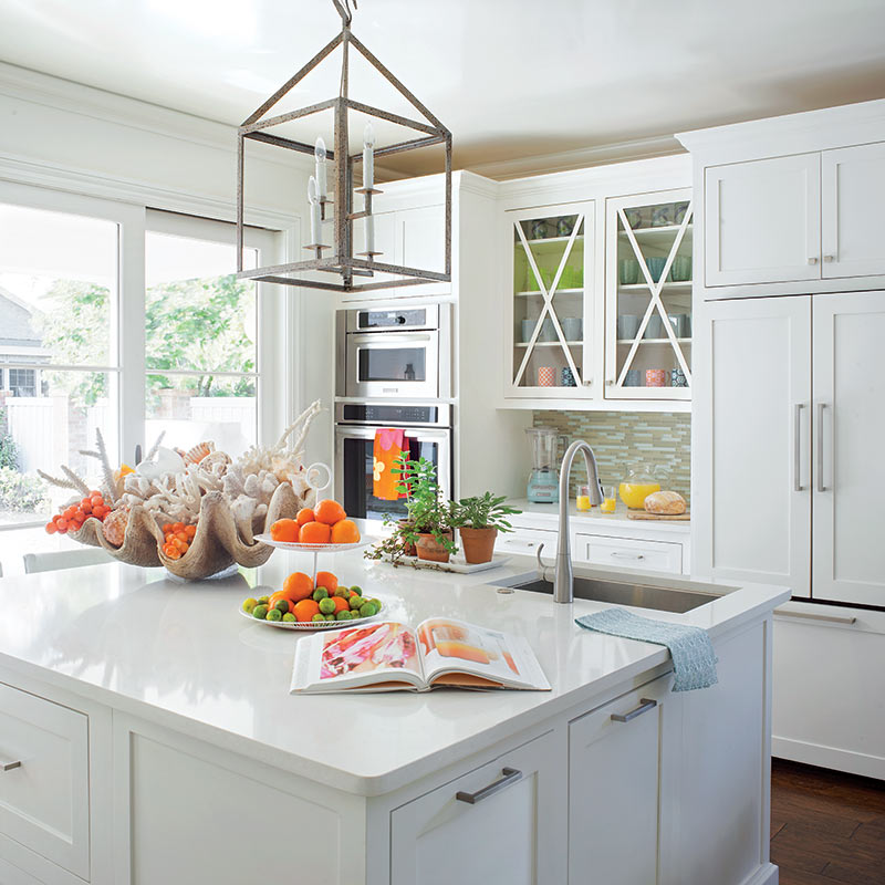 bright beach cottage kitchen