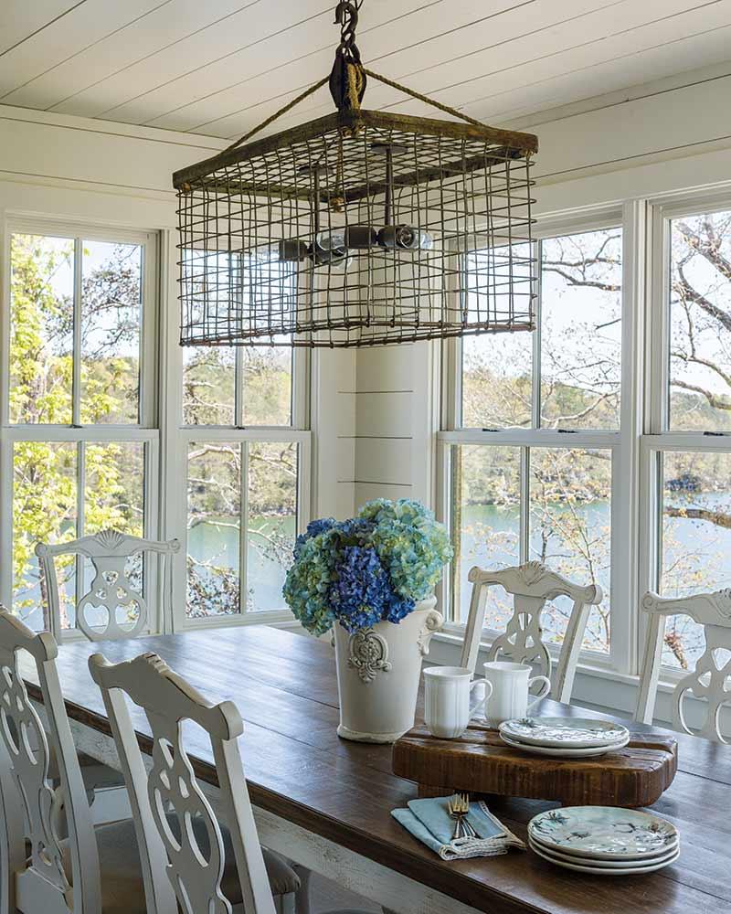 farmhouse dining nook